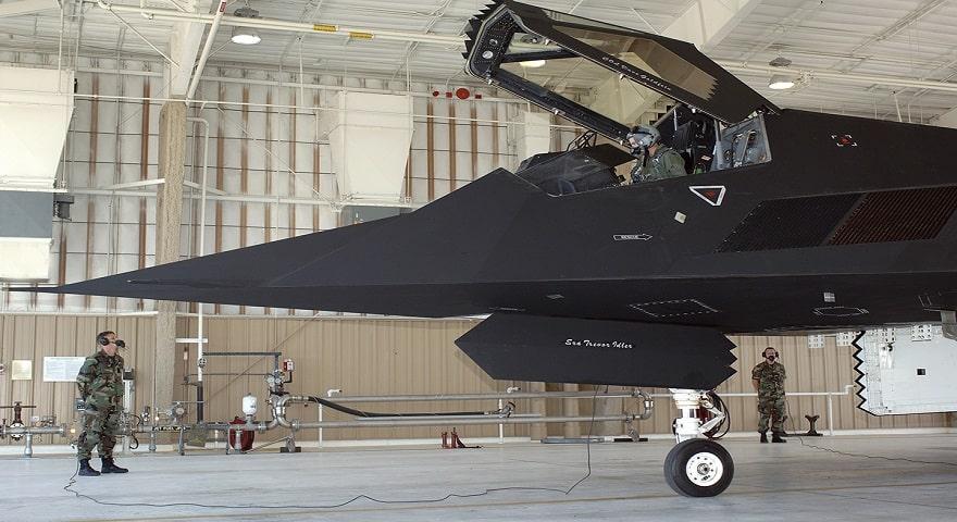 Американский самолет F-117 Nighthawk