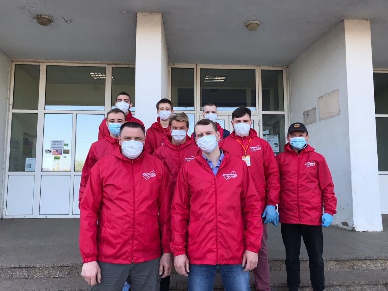 Спортивный клуб «Отечество - Псковская область» продолжает помогать пожилым людям
